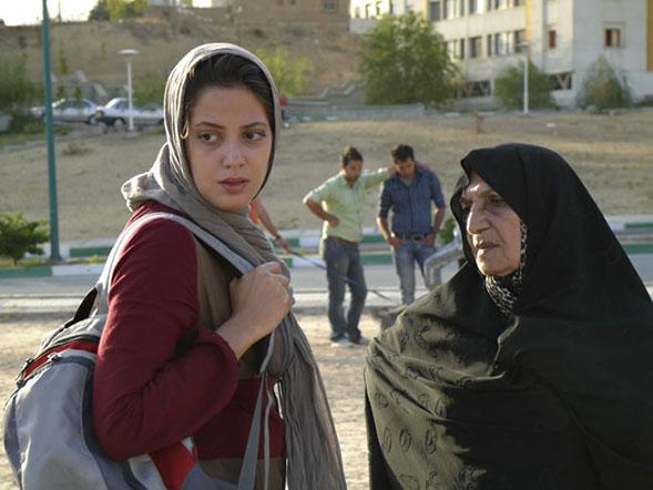 طناز طباطبایی و کبری حسن زاده در فیلم مرهم